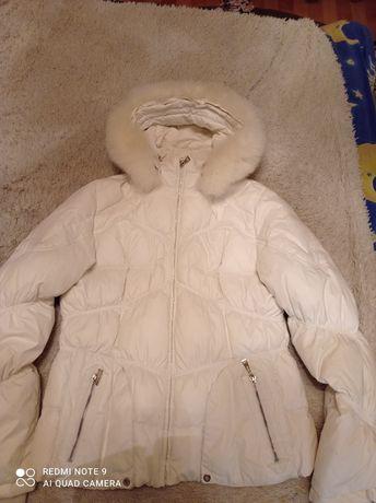 Жіноча куртка пуховик