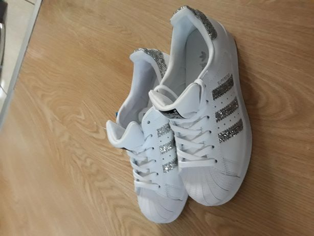 Adidas Superstar skóra