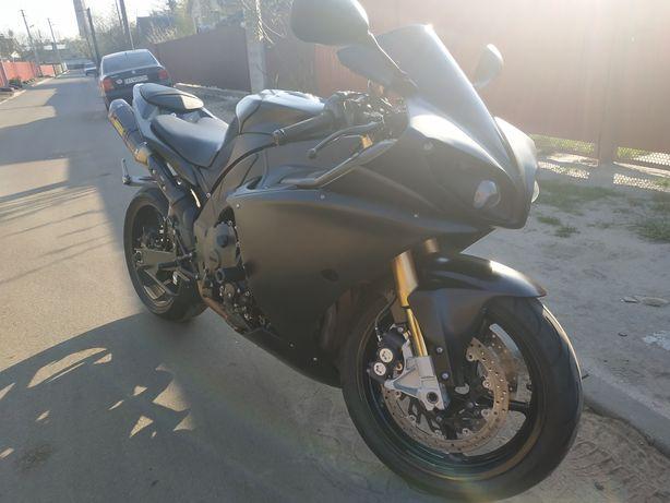 Yamaha R1 2010 akrapovic