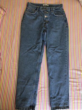 Calças mom/boyfriend jeans da Pull&Bear