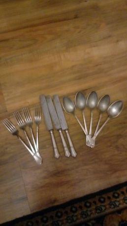 Łyżki widelce noże