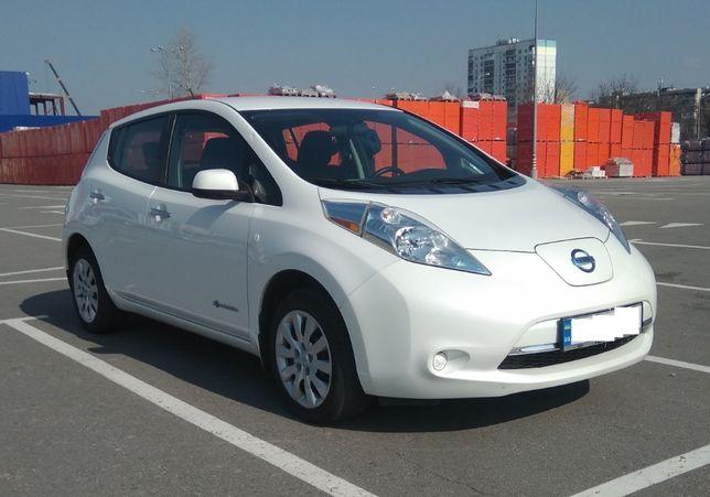 Ниссан Лиф 2015 Nissan Leaf с портом быстрой зарядки