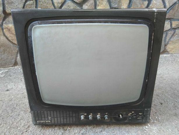 Телевізор чорно-білий