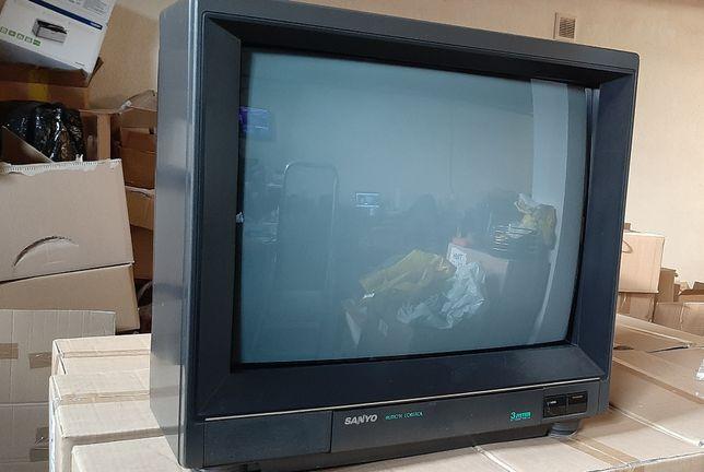 "Telewizor kolorowy Sanyo 20"", pilot"