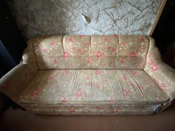 Продам б/у диван и 2 кресла
