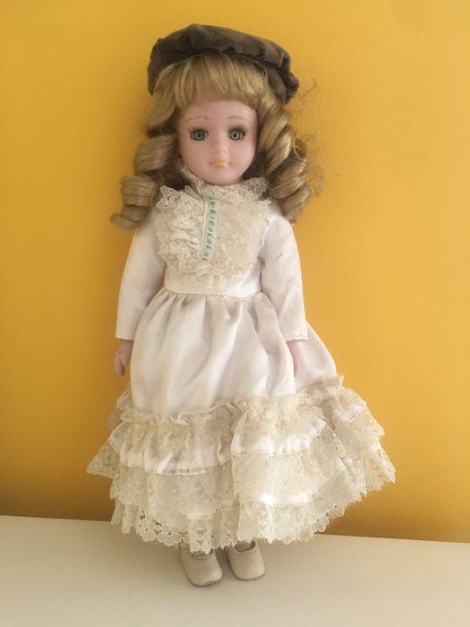 Boneca porcelana e boneco vinil Moscavide E Portela - imagem 1
