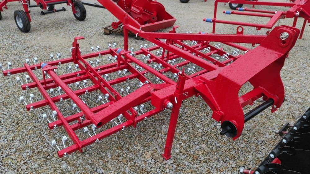 Zaczepiany do traktora chwastownik Dostępny