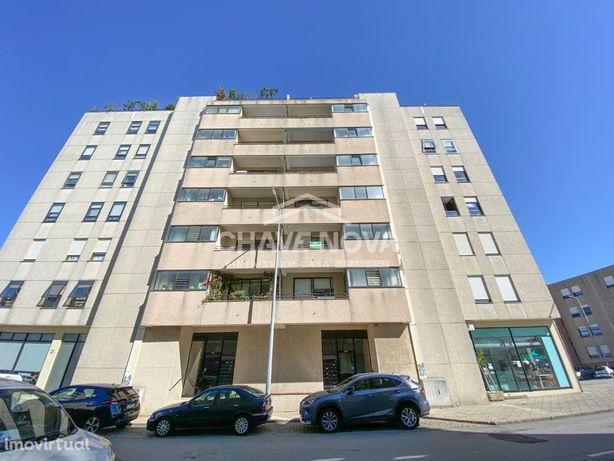 Apartamento T3- Imóvel de Banco, Santa Marinha- Candal