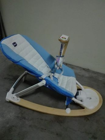 Espreguiçadeira CHICCO I-feel (Azul e branca)