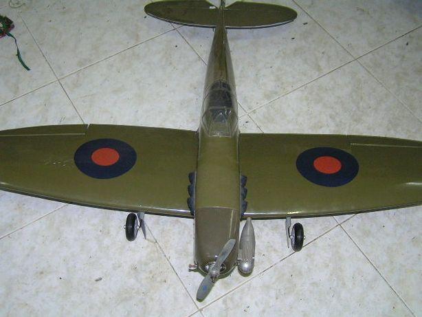 aviao spitfire completo