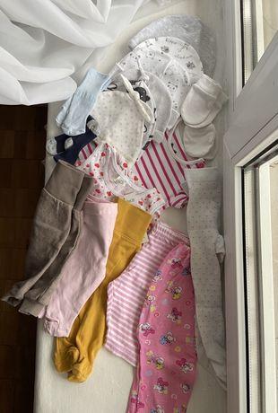 Отдам бесплатно вещи для грудничка новородженного шапки повзунки