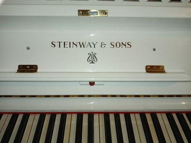 Продам пианино Steinway & Sons
