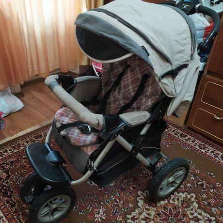 Продам детскую прогулочную коляску Capella