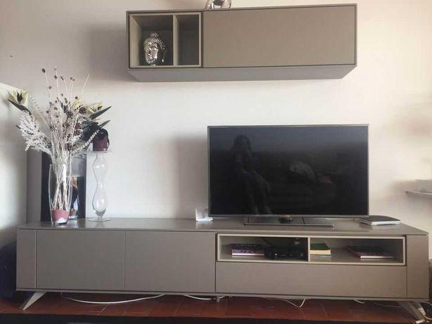 Móvel TV Com 2 portas +1 gaveta com estante incluido