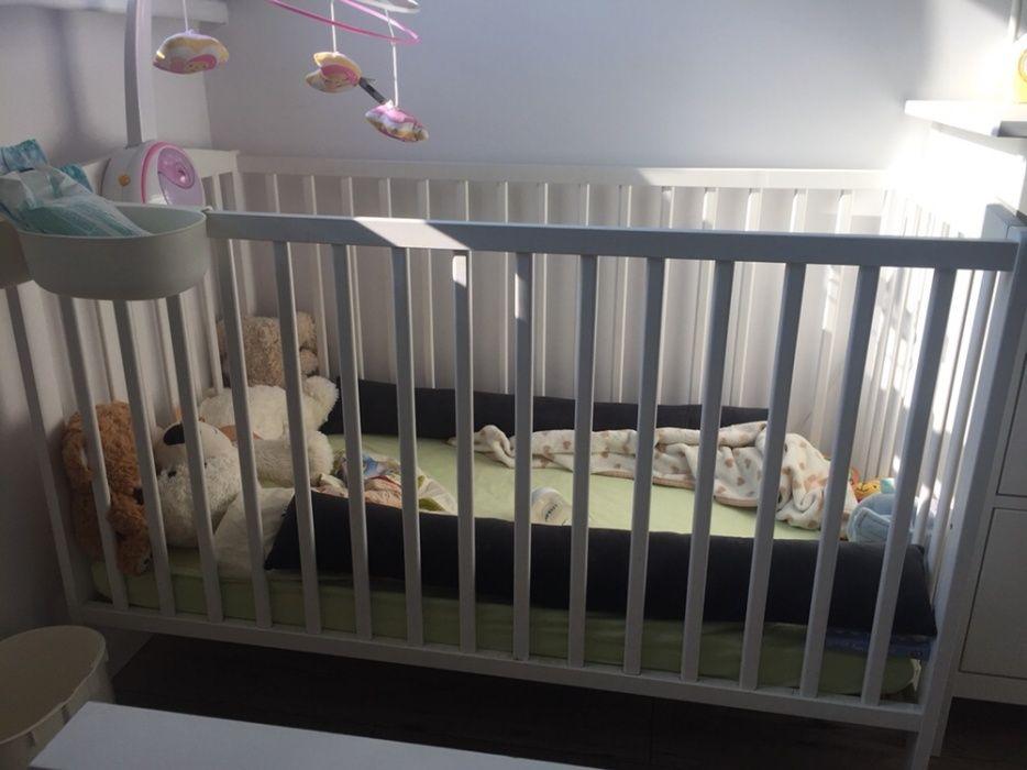Łóżeczko dziecięce białe z materacem