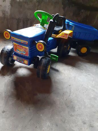 Traktorek z przyczepą dla dzieci