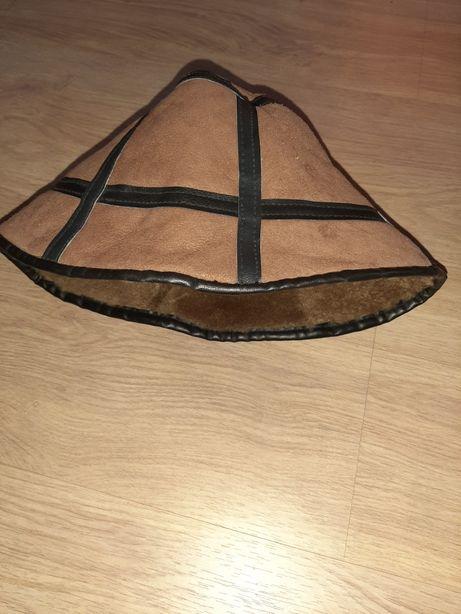 Bucket hat czapka a la skórzana ciepła z futerkiem