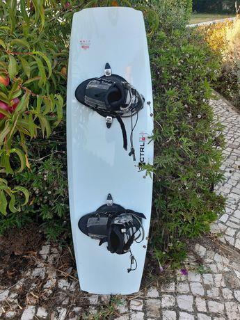 Wakeboard Control 132 + botas Hiperlite 40-42