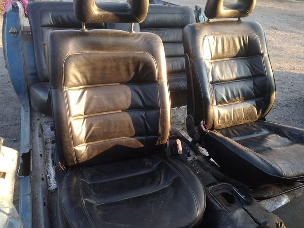 Кожаные сиденья на Опель омега б