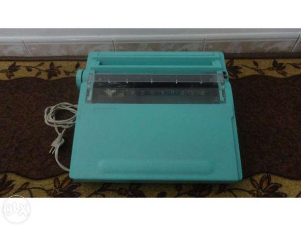 [Vendo/Troco] Máquina de Escrever c/ cartucho de fita