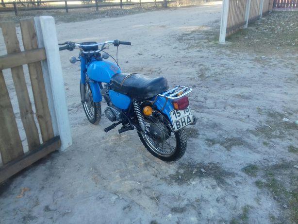 Мотоцикл.на повідомлення не відповідаю.дзвоніть.
