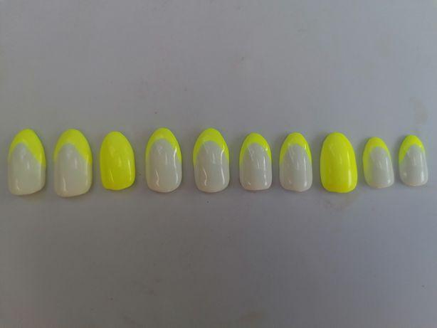 Tipsy /sztuczne paznokcie ręcznie malowane /zdobione hybryda.