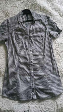 Koszulowa bluzka w kratkę marki stradivarius, rozmiar S