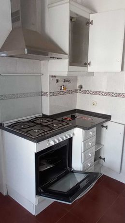 Moveis de Cozinha  em Branco
