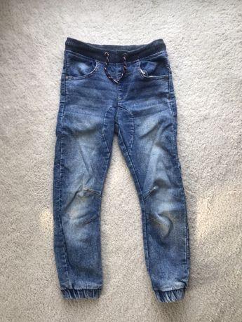 Spodnie na gumie roz 122 jeansy