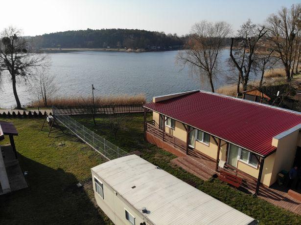 Pokoje wczasowe nad jeziorem