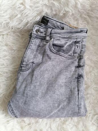 Spodnie z wysokim stanem M/L