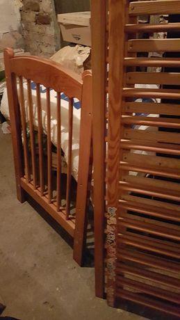 Łóżeczko dla dziecka drewniane +Dwa materace