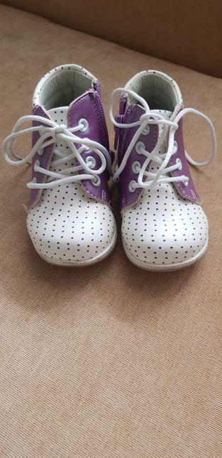 Ботинки, сапожки , сапоги на девочку