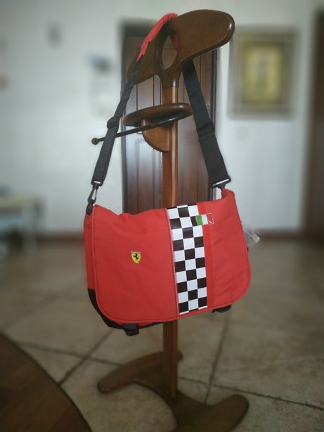 Школьная сумка красная на плечо FERRARI KIDS