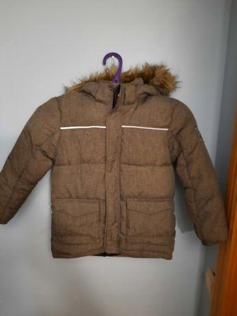Куртка зимняя на мальчика 6-7 лет.