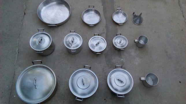 Tachos panelas frigideiras copos e funil