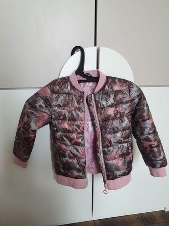 Куртка весенняя на девочку  reserved
