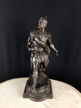 Антикварная статуэтка