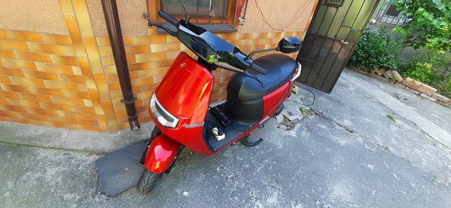 Продам электро скутер Ecooter