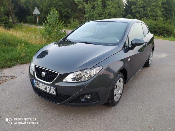 Ładny Seat Ibiza  1.4 MPI 2010 rok .