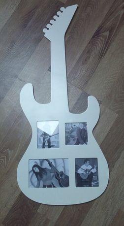 Biała ramka na zdjęcia gitara