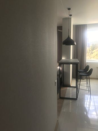 Продам 1 комнатную 26жемчужен генуэзской новым скандинавском ремонтом