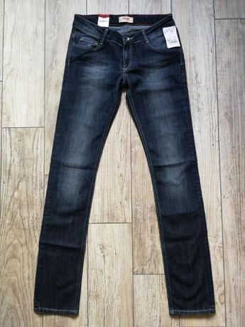 Nowe jeansy damskie CROSS W27 L34