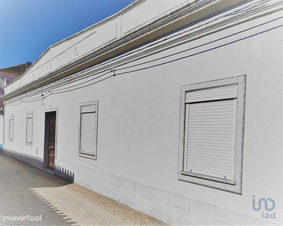 Moradia - 200 m² - T6