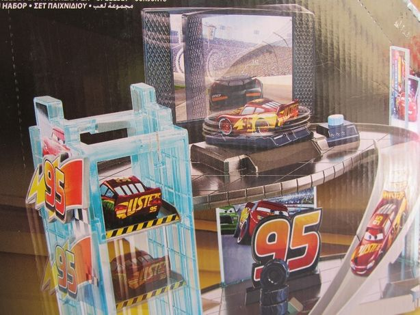 Disney Pixer Cars Rust-Eze Racing Center zabawka