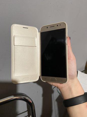 Смартфон Samsung Galaxy J5/J530 Gold