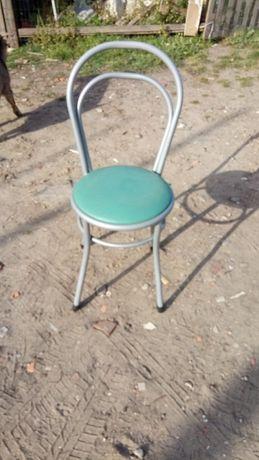 Mesas e cadeiras interior de café