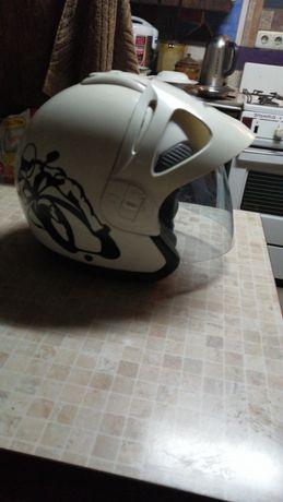 Продам мото шлем.