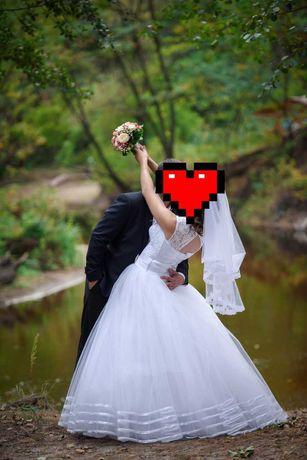 СРОЧНО ПРОДАМ Белое Свадебное платье .Біла весільна сукня 46-50