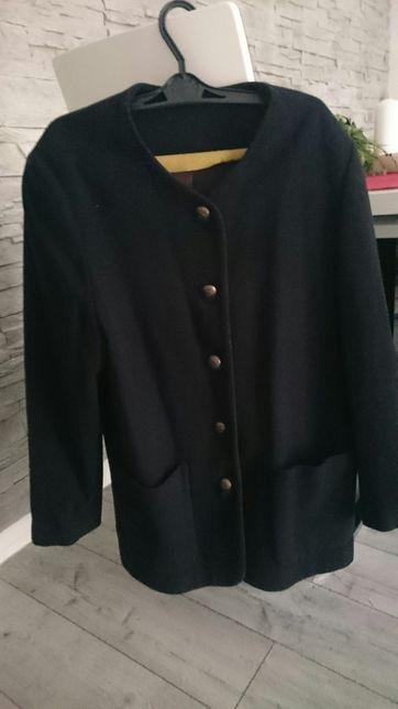Oryginalny płaszcz marki CF New Classics